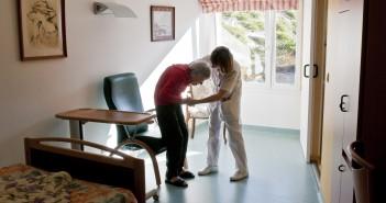 Etika in duhovnost pri zdravljenju in spremljanju bolnikov ob koncu življenja