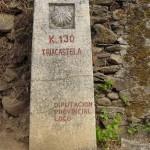 Obcestni kamni nas vsakih 500 m obveščajo oddaljenost do Santiago de Compostella.