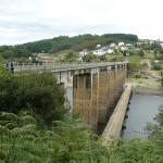 ...je pa veličasten most pred prihodom v mesto Portomarin,...