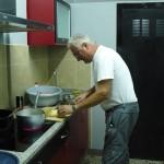 Romarski voditelj je tudi izvrsten kuhar, ki nas dnevno razvaja.