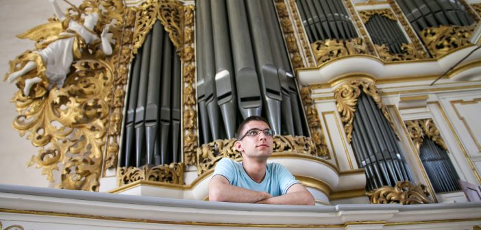 Glasba na hribu: Orgelski koncert-Luka Gojkošek